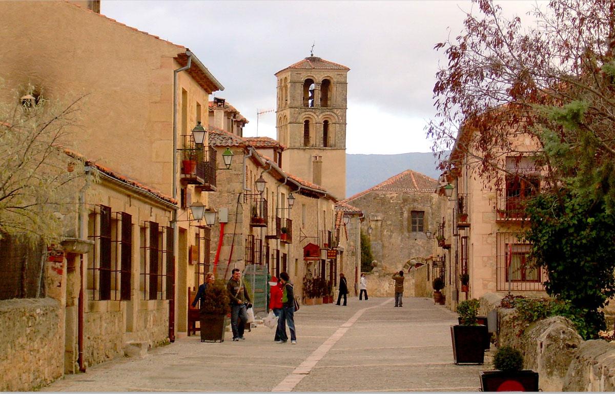Visita por la Villa Medieval de Pedraza.