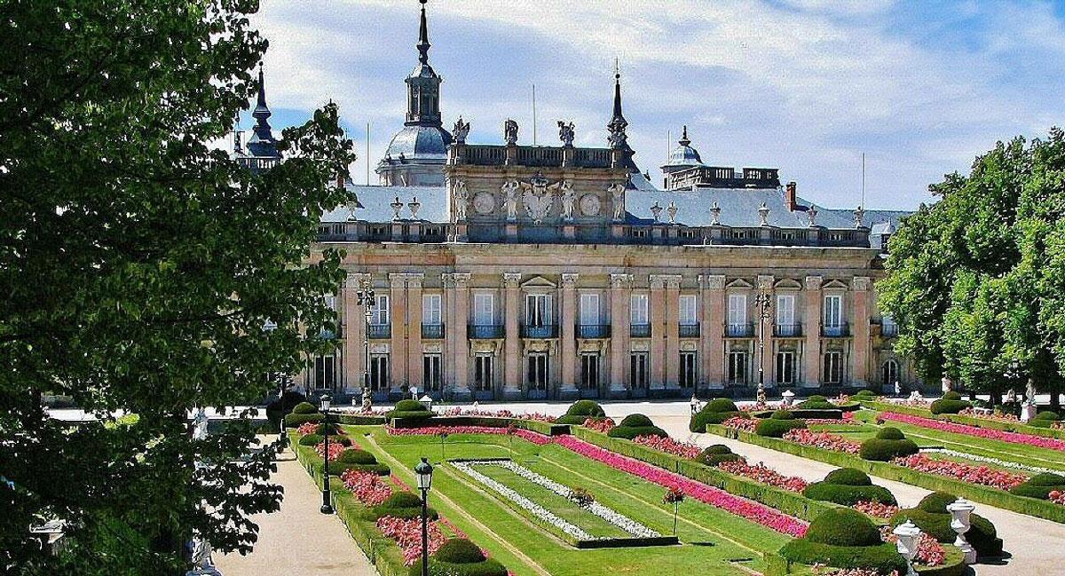 Visita al Palacio Real de La Granja y sus jardines.